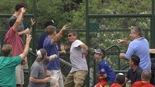 Cubs fan pulls off switcheroo to score a home run ball