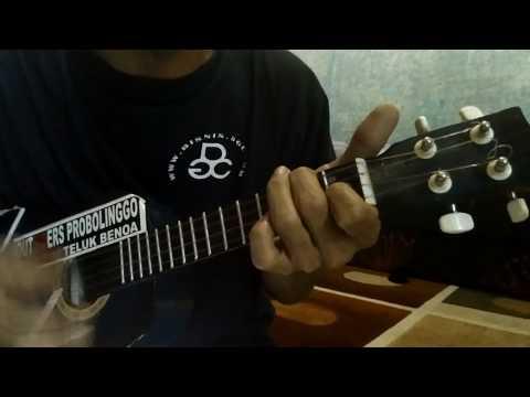 Manusia Setengah Dewa versi ukulele