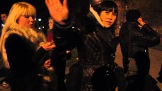 """Видео ПН: """"Ты ученик? Нет? Ну так пошел на х**"""", - николаевских школьницы едут на Антимайдан"""