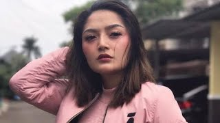 Video Siti Badriah - Lagi Syantik (Video Lirik) download MP3, 3GP, MP4, WEBM, AVI, FLV Agustus 2018