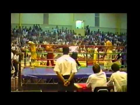 KickBoxing :: Fernando Fernandes vence Jorge Canelas, na defesa do título Europeu em 1993.