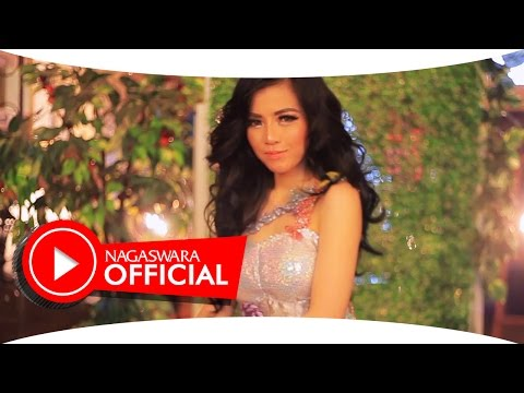 Gladys - Hubungi Aku - Official Music Video - NAGASWARA
