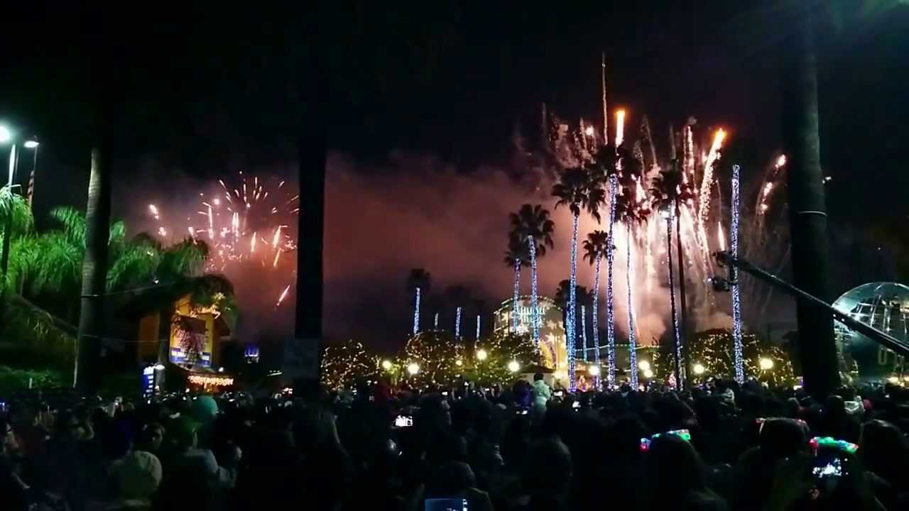 Universal Studio CityWalk Fireworks New Year s Eve Los Angeles   YouTube
