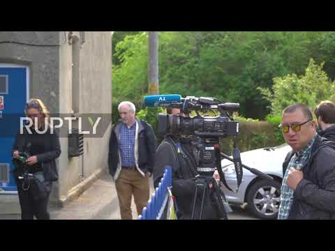 UK: First voters arrive as polling stations open for EU elections