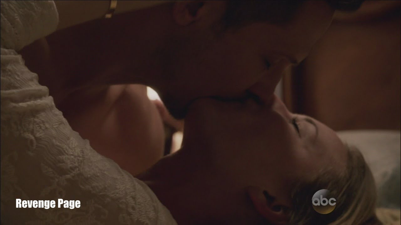 Revenge 4x23 Emily And Jack Finally Kiss Bed Scene Two Graves Series Finale