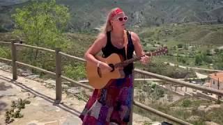 La Luz by Emma Flowers (Official Video)
