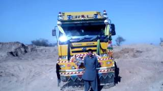 Beautiful Nissan diesel dumper 2001