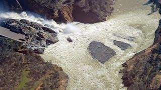 oroville dam spillway 2 26 17