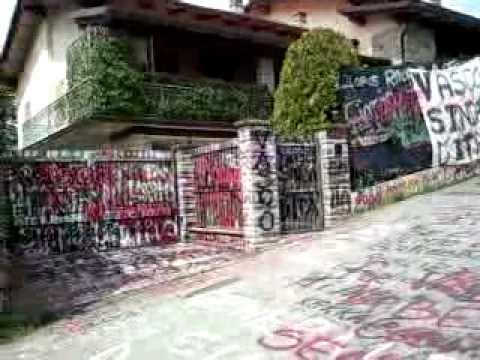 Casa di vasco rossi zocca youtube for Foto di case di ranch