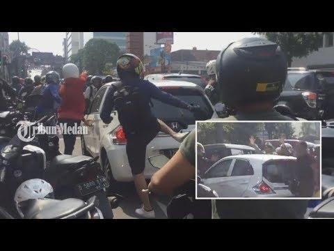 Detik-detik Pengejaran Honda Brio Pelaku TABRAK LARI Bandung Mobil Hancur