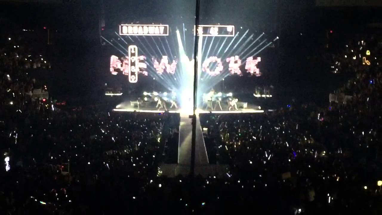 Taylor Swift Opening Phoenix Arizona 2015 1989 Tour Live Youtube