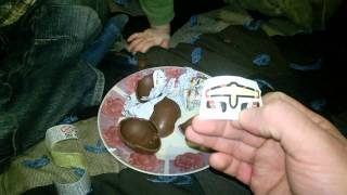Прикол.Открываем Kinder surprise тачки и летачки.Сладкая вата Bubble Gum от Chupa Chups.