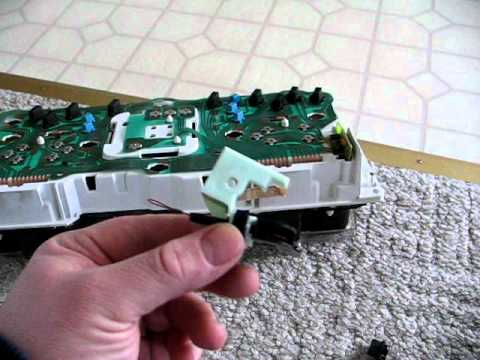 Grand Marquis Fuse Box Video Of The Speedometer Cluster From A 2003 Ford Crown