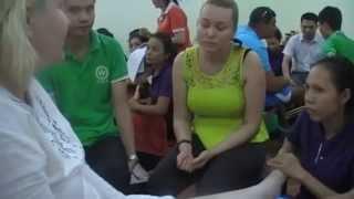Развод русских туристов в Камбодже якобы в центре китайской медицине русскими же ГАиДАМИ!