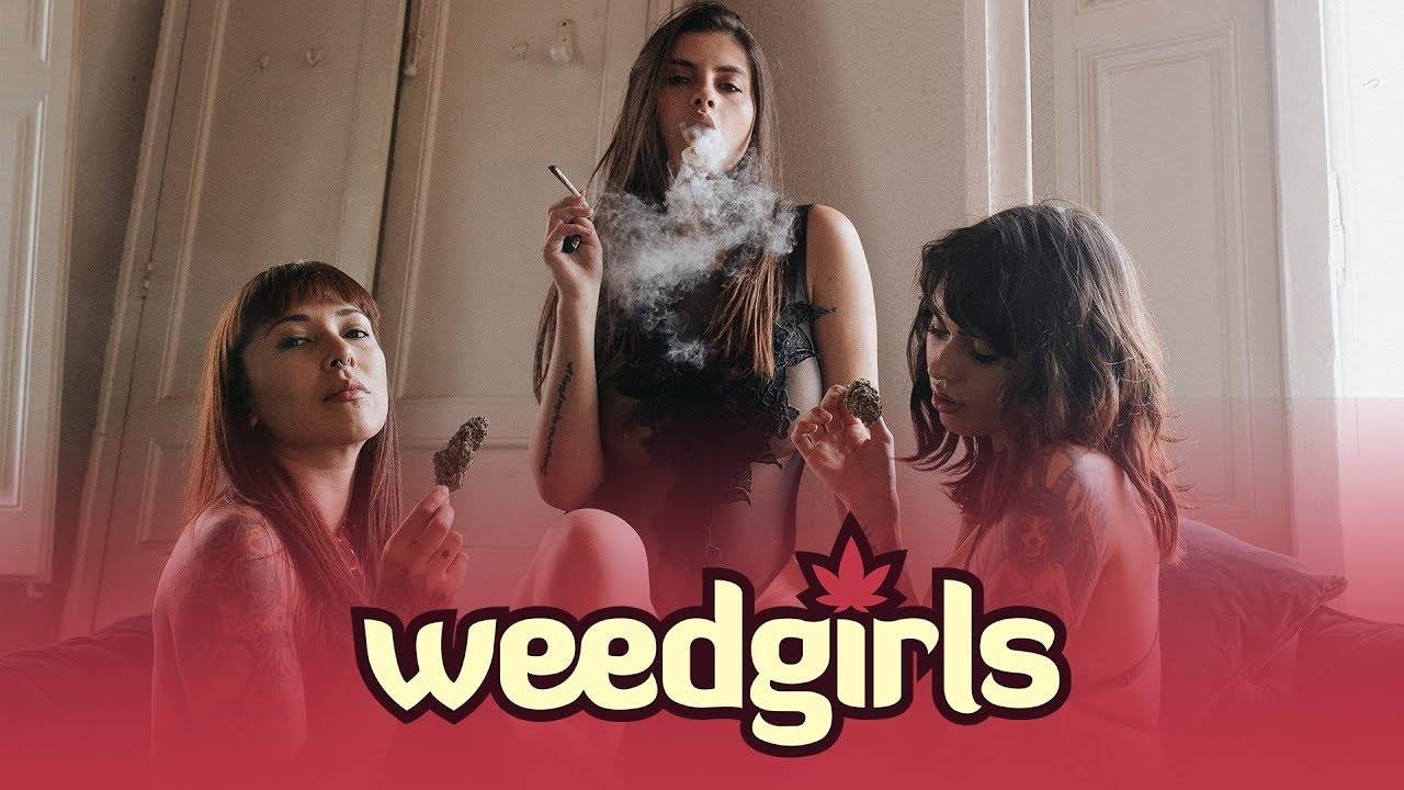 Weed Girls Getting High