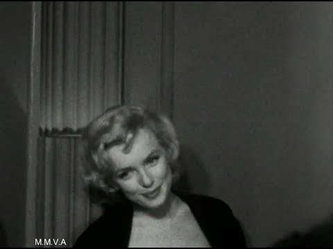 "Footage of Marilyn Monroe in NYC 1956 - ""I'm Going To Retire To Brooklyn"" Radio  Interview 1955"