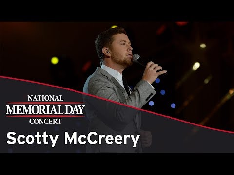 Scotty McCreery performing on the 2017 National Memorial Day Concert
