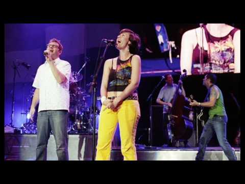 Call & Answer - Alanis Morissette and Barenaked Ladies (Live - Au Naturale Tour - 2004)