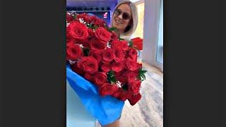 Diletta Leotta sommersa dalle rose dello spasimante - STORIES