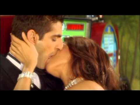 Mallika Sherawat Scene - Kis Kis Ki Kismat - Romantic Lip Lock