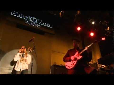 Soulive - Live at Blue Note Tokyo (2009).avi