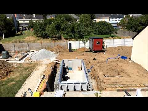 Construction mini piscine caron jour 3 youtube for Construction piscine caron