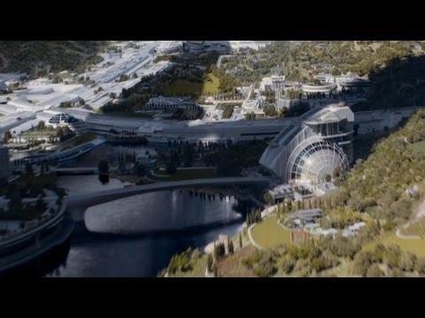 Elysium Film About Social Separation - Jodie Foster & Matt Damon - Video By Voanews
