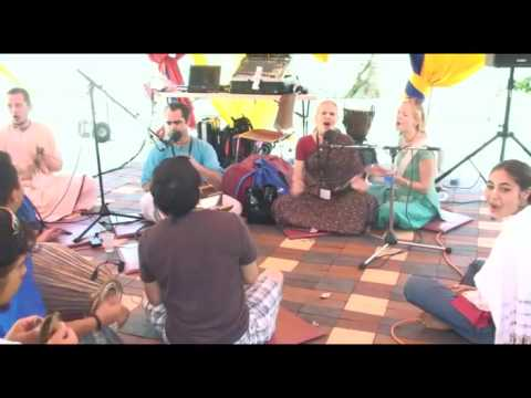 Bhajan - KulimeLA Day 2 - Kishori Mohan das (4/7)