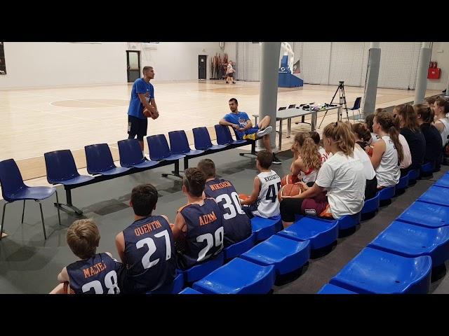 Obóz koszykarski Basketmania Camp - trening z Kacprem Radwańskim grupa 2 1.07.2019