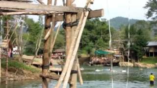 Linksmybes Laose