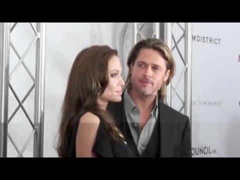 Brad Pitt And Angelina Jolie Love Karaoke - Splash News | Splash News TV | Splash News TV