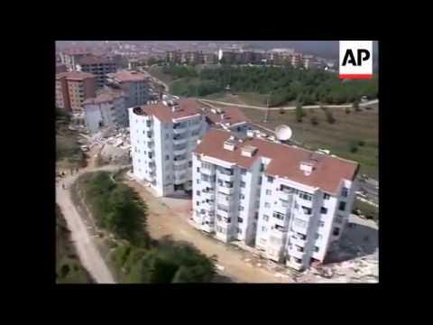Gölcük depreminin daha önce hiç yayınlanmamış görüntüleri - 2 (AP arşivinden)