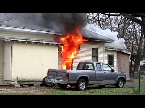 Paris, Texas structure fire 800 Block of SW 3rd