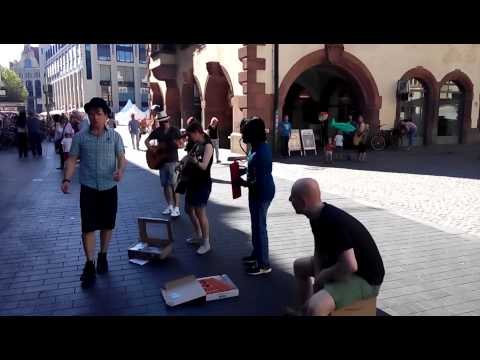 an envelope - live music on the streets of Leipzig