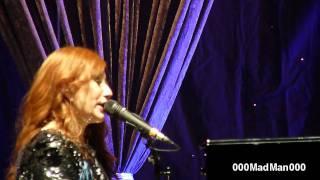 Tori Amos - Carry - HD Live at Le Grand Rex, Paris (05 Oct 2011)