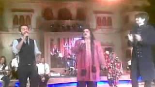 Atif Aslam-AliZafar-ArifLohar-Saeen Zahoor together singing LIVE @ Mohatta Palace, Karachi