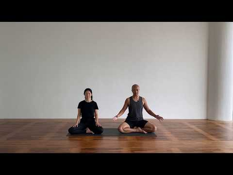 60-min Anusara Yoga with Bo and Shirley Srey