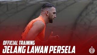 Official Training Persija Jelang Lawan Persela di Stadion Wibawa Mukti