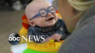 Video Baby Reacts to Seeing Mom for the First Time Using Glasses download MP3, 3GP, MP4, WEBM, AVI, FLV Juli 2018