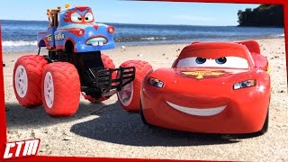 Disney Pixar CARS TOON Mater Monster Truck & Lightning McQueen | TORMENTOR Freestyle on the beach