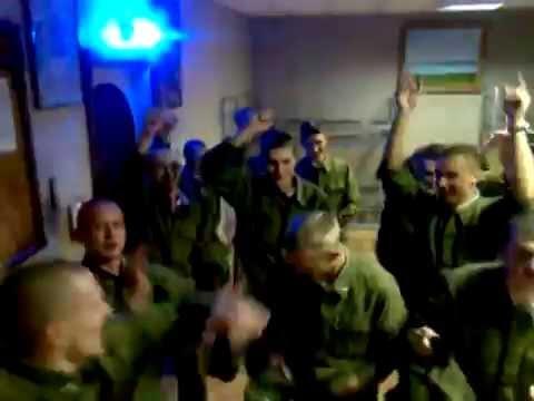 Парень в армии поздравил девушку с днём рождения