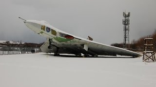 Vulcan XL319 tipped on its tail due to weight of snow