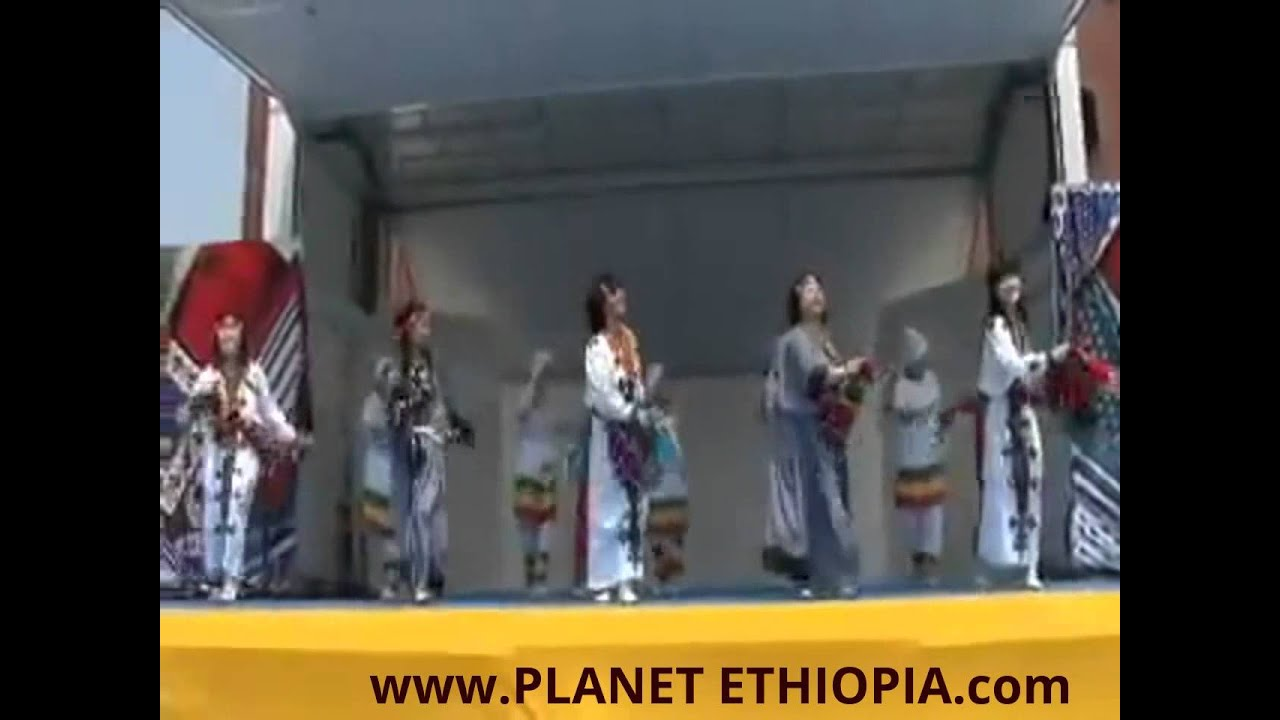 "Japanese Performing Ethiopian ""Kinet"" Folklore Dance Perfectly! - የጃፓን አርቲስቶች በኛ ባህል ዘፈን ሲወዛወዙ"