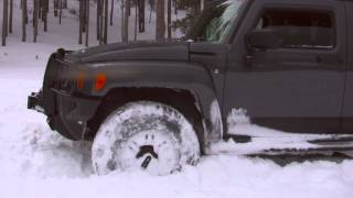 Jeep vs Hummer Snow Run thumbnail