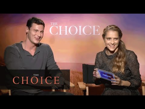 The Choice 2016 Movie  Nicholas Sparks – Teresa Palmer Plays 'Heads Up!'