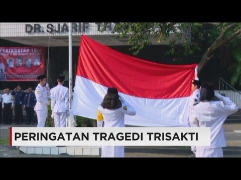 Pengibaran Bendera Setengah Tiang & Taburkan Bunga di Peringatan Tragedi Trisakti