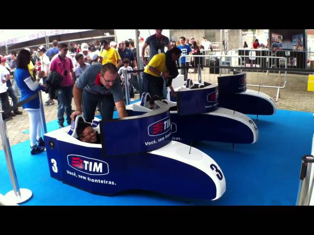 SP Indy 300 TIM - Promoção com Simuladores de F-Indy Virtual Grand Prix