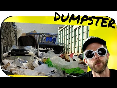 Abandoned Toys R Us DUMPSTER DIVING #toysrus