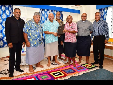 Fijian PM officiates the handing over of lease tittle to RKSOB Association.