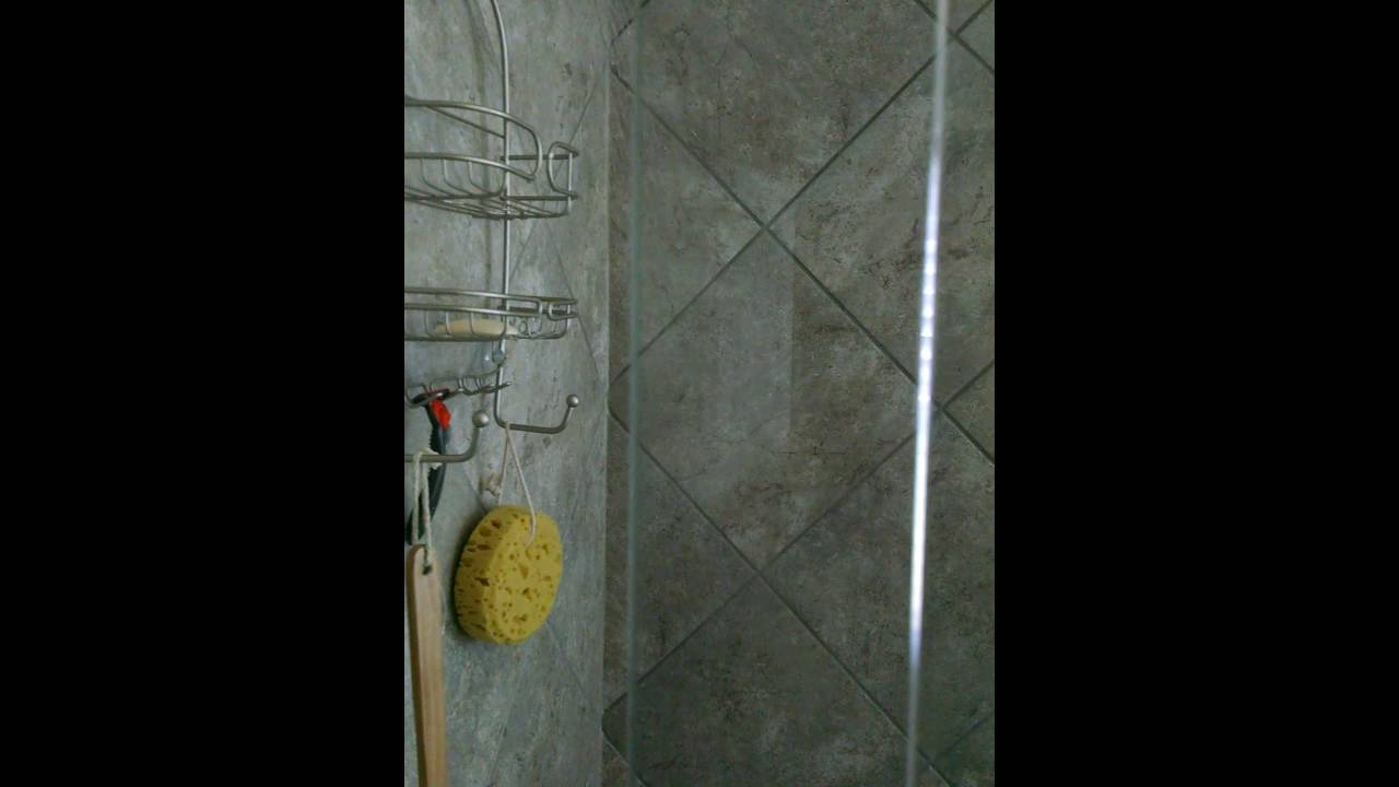 Water out of tub and shower at same time. - YouTube